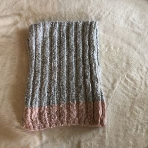 Hollister Grey Knit Scarf